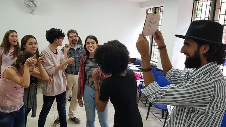 Acciones de Formación Integral con Estudiantes de Comunicación Social - Periodismo