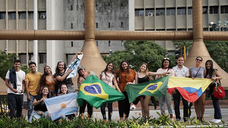 Bienvenida a estudiantes internacionales 2020-1
