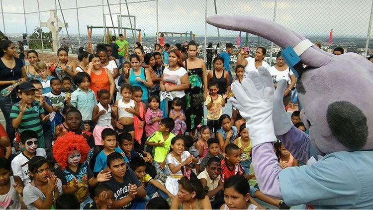 Celebración del Día del Niño y la Niña en el barrio La Cruz