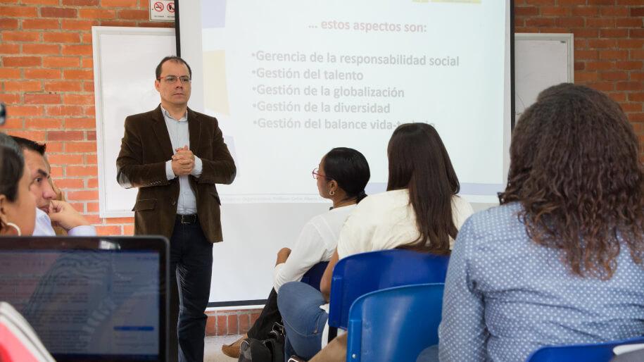 Estudiantes Especialización en Gerencia Proyectos