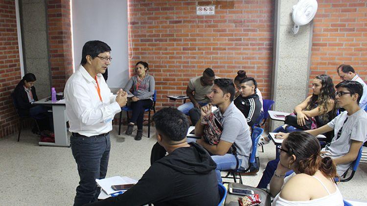 UNICATÓLICA avanza en investigación universitaria